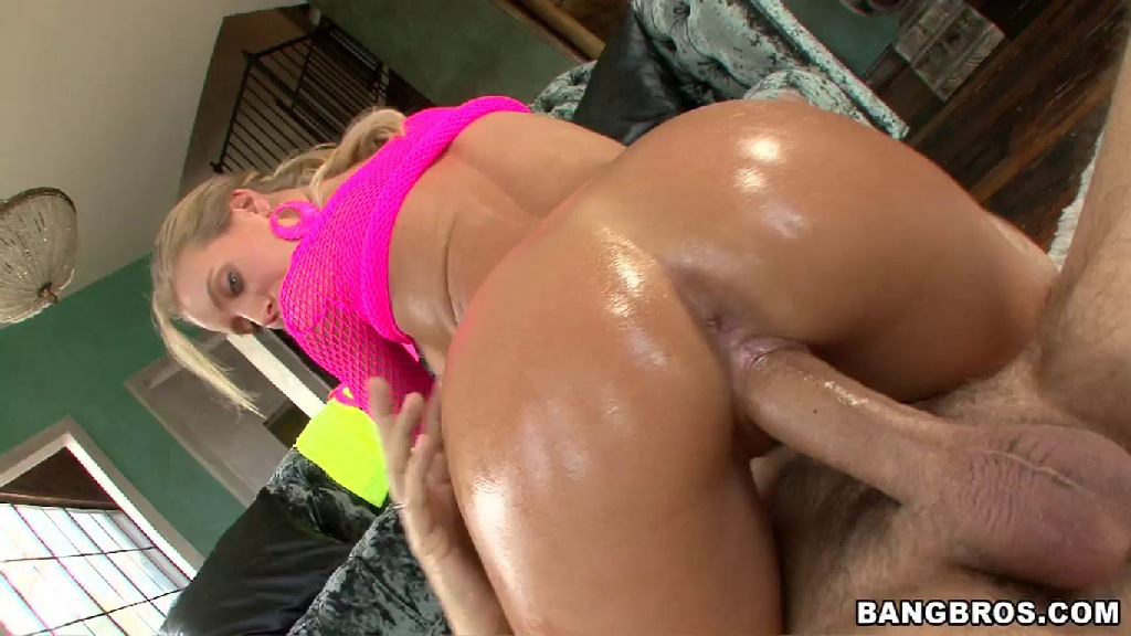 Nicole Aniston, PAWG, sexy, blonde, tan, bubble butt, Assparade, Ass Parade, big asses, big ass girls, bubble butt, hardcore